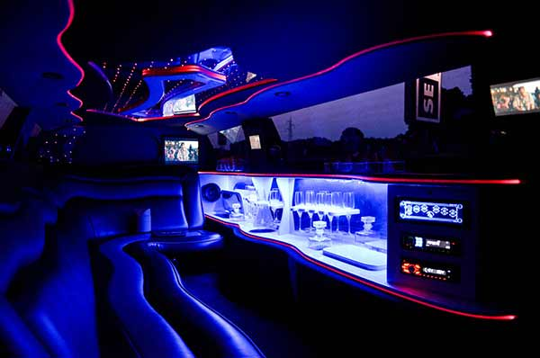 bar interno limousine