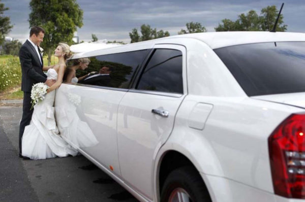 limousine Chrysler 300C bianca