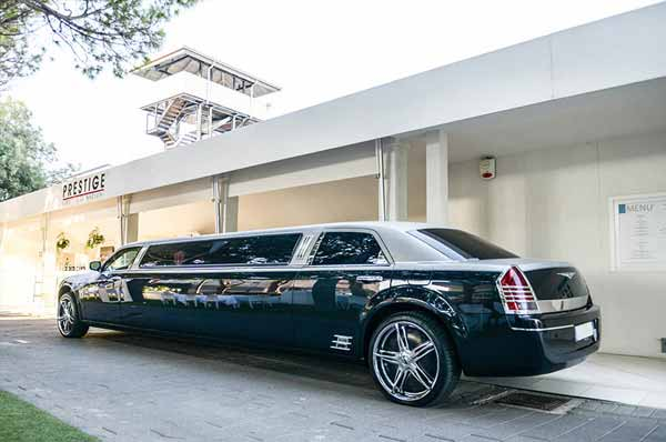 limousine per servizio pubblicitario