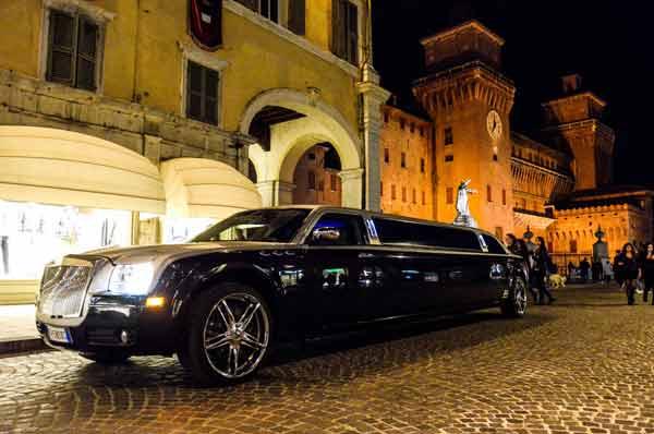 limousine per tour turistico